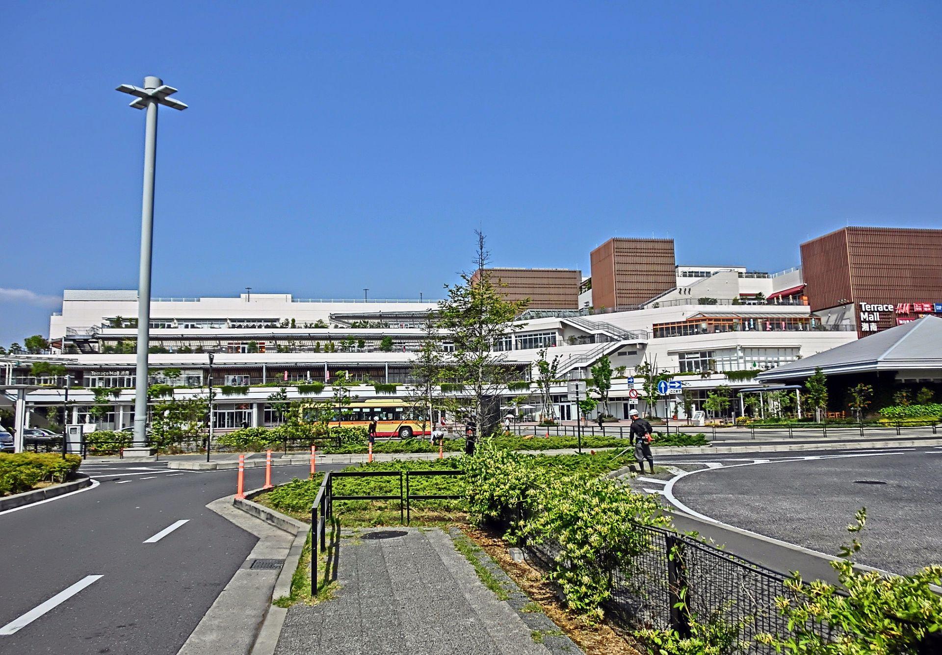 都心への通勤が便利な藤沢駅、辻堂駅、湘南台駅周辺の地価が上昇傾向にある神奈川県藤沢市。